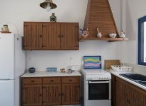 16-Captains-Home-KMR-house-kitchen